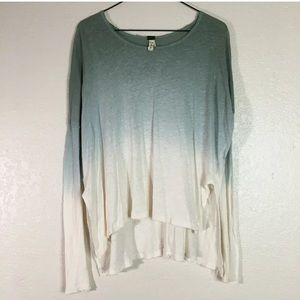 We the Free XS long sleeve blue ombré top Like New